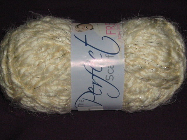 elle-perfect-scarf-200g-col-014-cream-puff