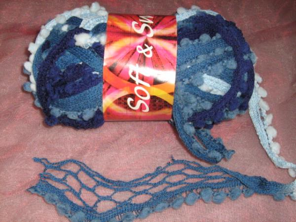new!!!-fishnet-with-pom-poms-100g-col-13