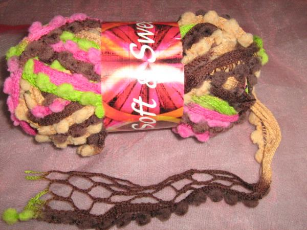 new!!!-fishnet-with-pom-poms-100g-col-18