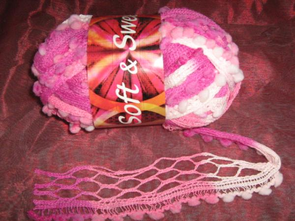 new!!!-fishnet-with-pom-poms-100g-col-22