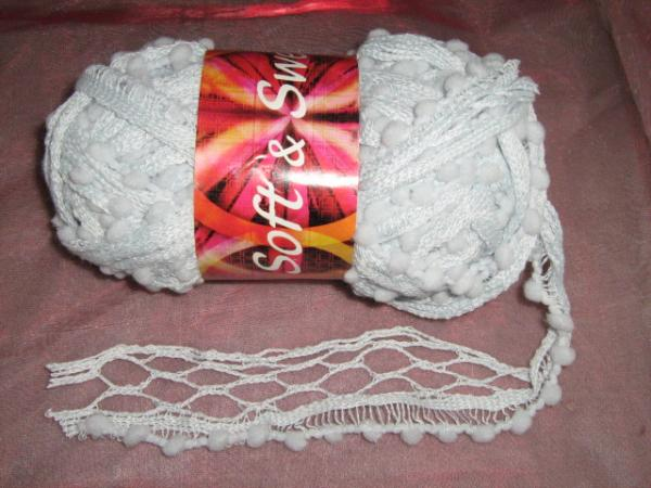 new!!!-fishnet-with-pom-poms-100g-col-4
