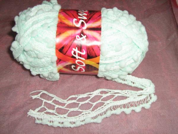 new!!!-fishnet-with-pom-poms-100g-col-7-mint