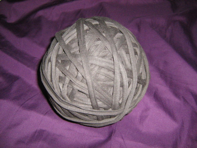 t--shirt-material-yarn-col-taupe
