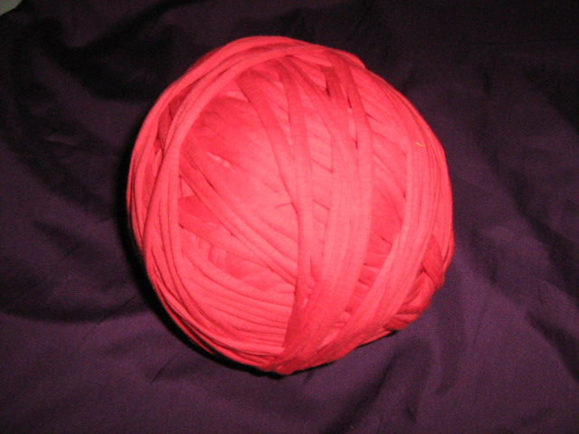 t--shirt-material-yarn-col-red