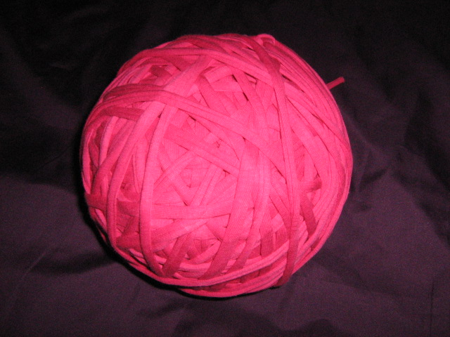 t--shirt-material-yarn-col-cerise