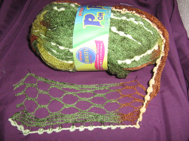 extra-wide-fishnet-with-pom-poms-100g-col-11